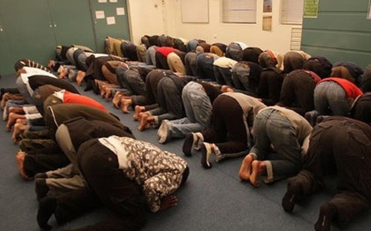 Děti se musí učit o islámu, jinak nebudou schopné žít v různorodé společnosti, tvrdí britská církev