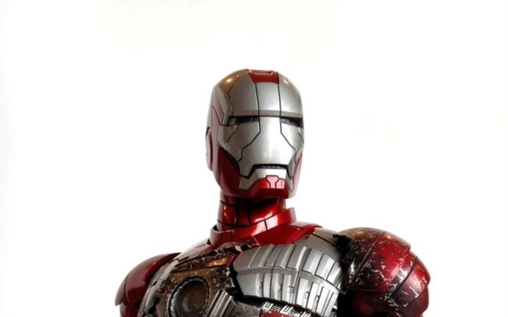 VIDEO: Britský vynálezce sestrojil vlastního ,,Iron Mana&quote;. Podařilo se mu i vzlétnout?
