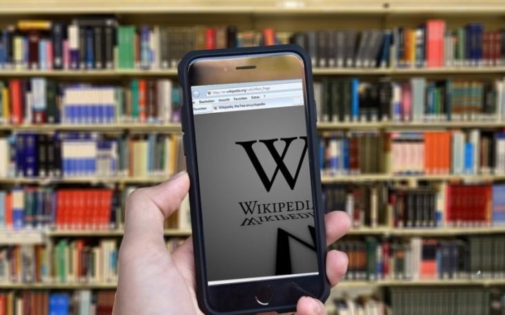 Česká Wikipedie má 15 let, vydala by na 190 tisícistránkových knih