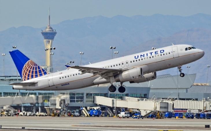 Chcete až 10 000 dolarů od aerolinek? Vzdejte se svého místa v letadle