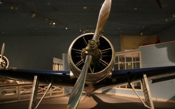 Hughes H-1 - letoun Howarda Hughese Robarda předběhl svou dobu