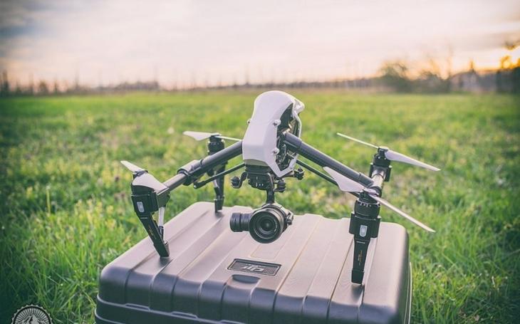 Komerční výrobce dronů vypíná své stroje na území IS