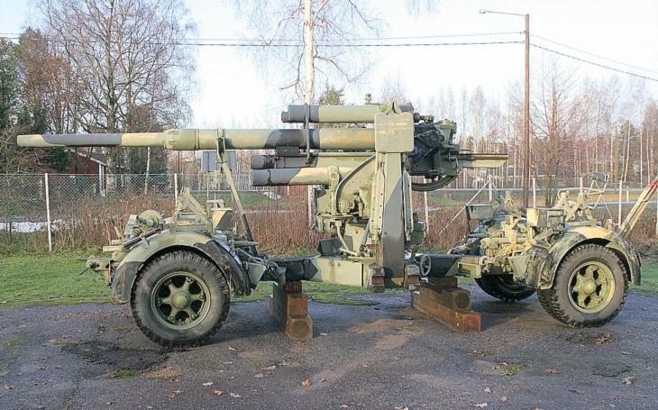 VIDEO: Střelba z obávaného kanónu Flak kalibru 88mm
