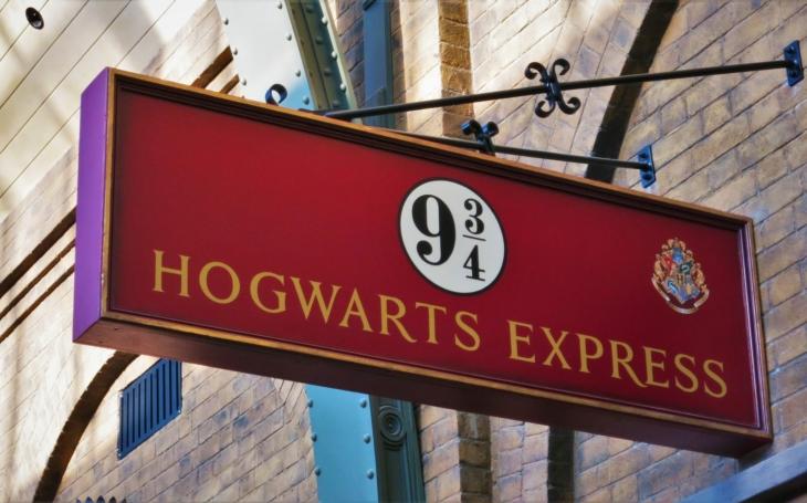 Britská policie fanouškům Harryho Pottera: Jste jen mudlové, nelezte na Glenfinnan
