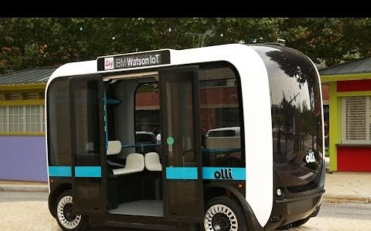 V Berlíně jezdí první samořídící autobus