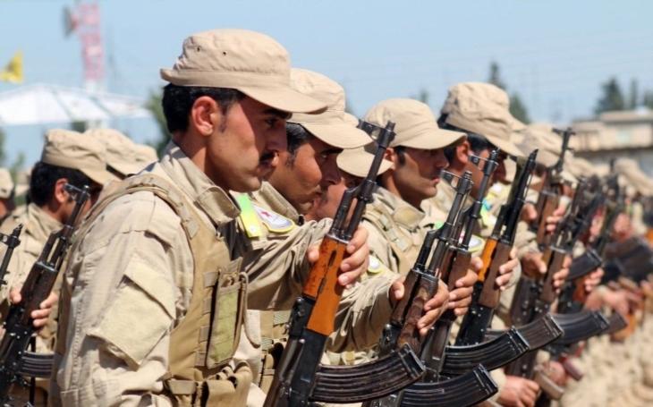 Povstalci v Sýrii zahájili útok na baštu IS Rakku