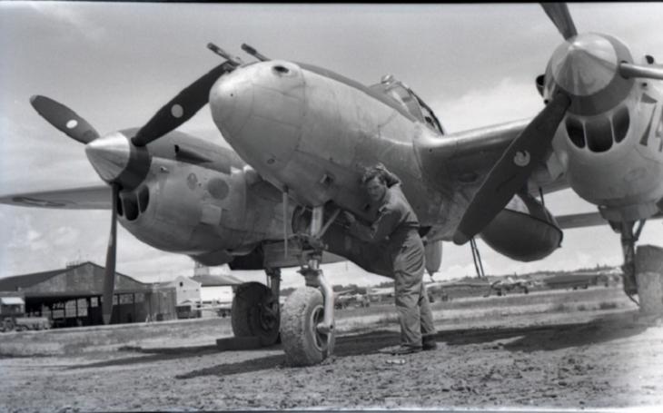 Video: Záběry z kamer P-38 likvidující cíle v nacistickém Německu