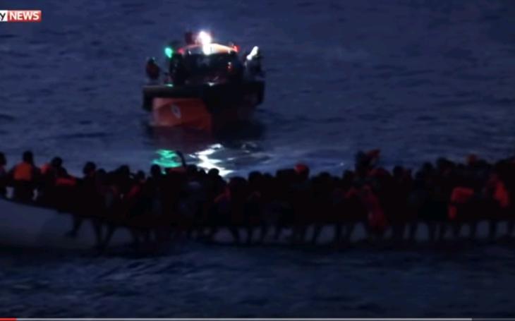 Európski vlastenci sa rozhodli skoncovať s pašovaním migrantov, skupujú vlastné lode