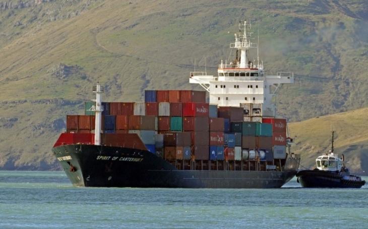 Japonské firmy plánují během 10 lety postavit samořiditelné nákladní lodě. Inspiroval je Rolls-royce