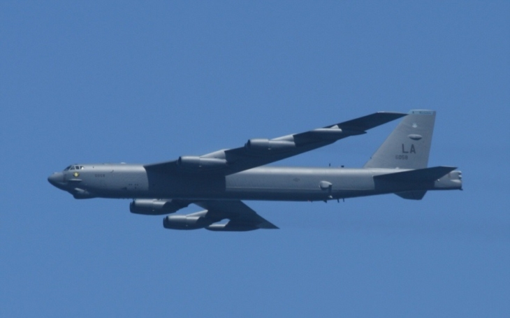 Legendární bombardéry B-52 Stratofortress mohou létat dalších padesát let. Potřebují ale nové motory