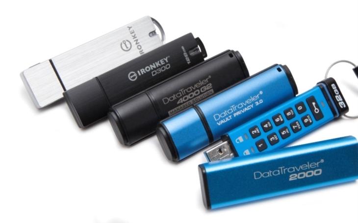 Data na svém USB disku chrání méně než třetina Čechů