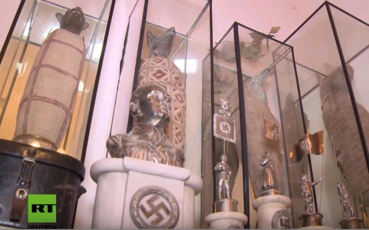 Argentíska polícia objavila obrovskú zbierku nacistických artefaktov, boli skryté za falošnou stenou