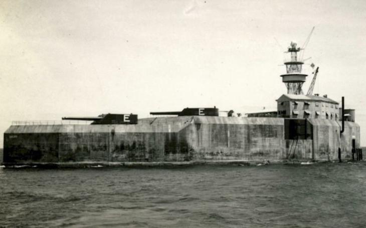 Betonová bitevní loď strýčka Sama na Filipínách