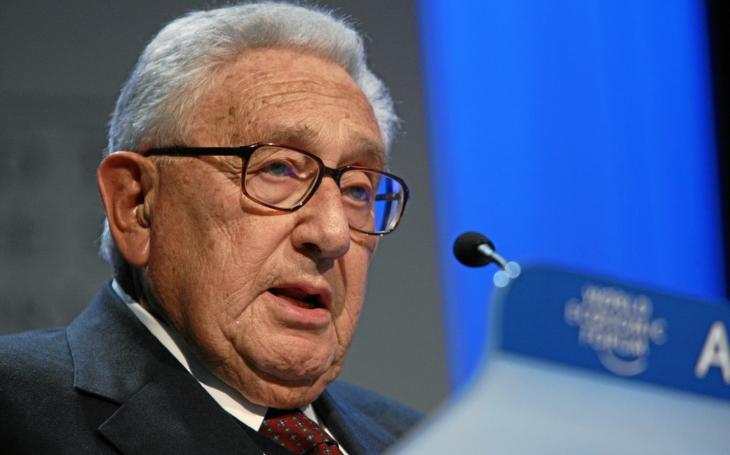 Kissinger varoval před vzdalováním Ruska od Západu