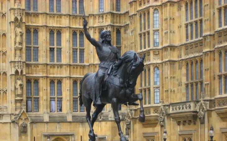 Strašný osud královraha: Zabil Richarda Lví srdce, nakonec ho stáhli z kůže