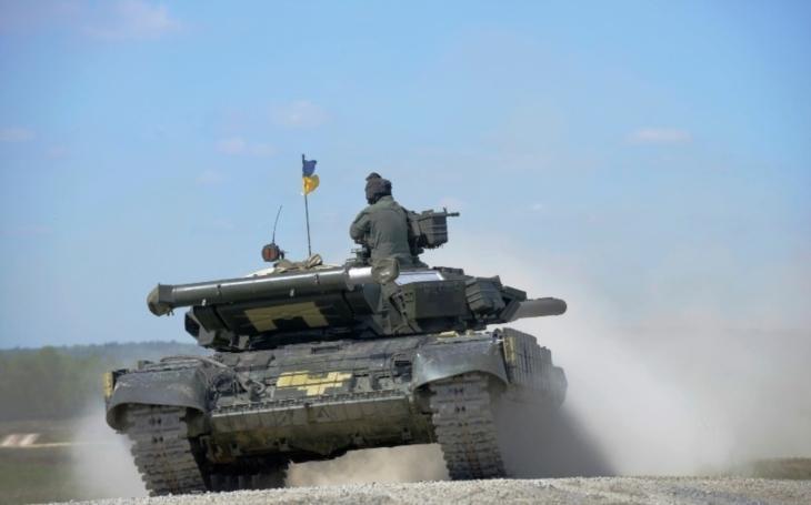 Ukrajina a NATO podle Porošenka začínají jednat o členství