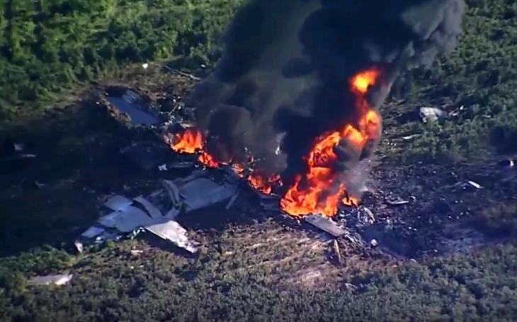 V Mississippi spadlo vojenské lietadlo, 16 mŕtvych
