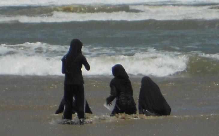 Kauza Burkini. Muslimský plavecký úbor vyvolal vášně. Oprávněně?