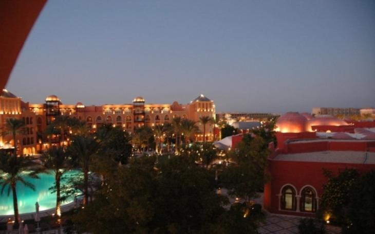 Egypt po útoku omezil vstupy na pláže výhradně pro hotelové hosty