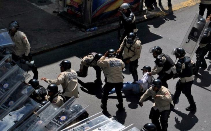 Venezuelská opozice vyhlásila na čtvrtek celonárodní stávku