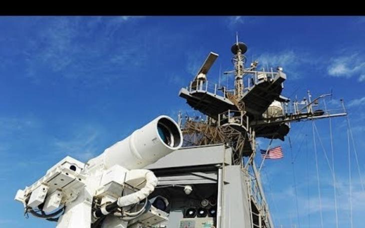 VIDEO: Americké námořnictvo vyzkoušelo laserového ,,zabijáka dronů&quote;