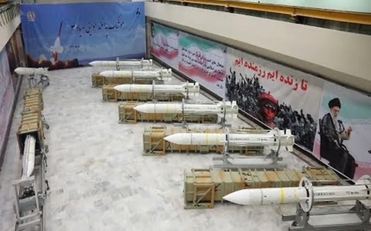 Írán začal s výrobou nové obranné rakety Sayyad-3