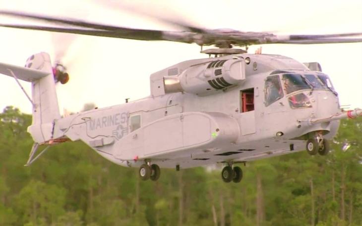 VIDEO: ,,Americký Rambo&quote; CH-53K King Stallion unese přes 12 tun nákladu