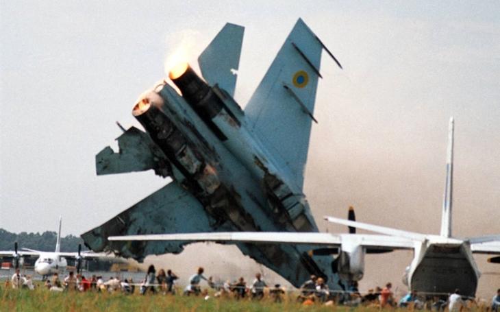 77 mrtvých a 543 zraněných po havárii ukrajinského Su-27 před 15 lety