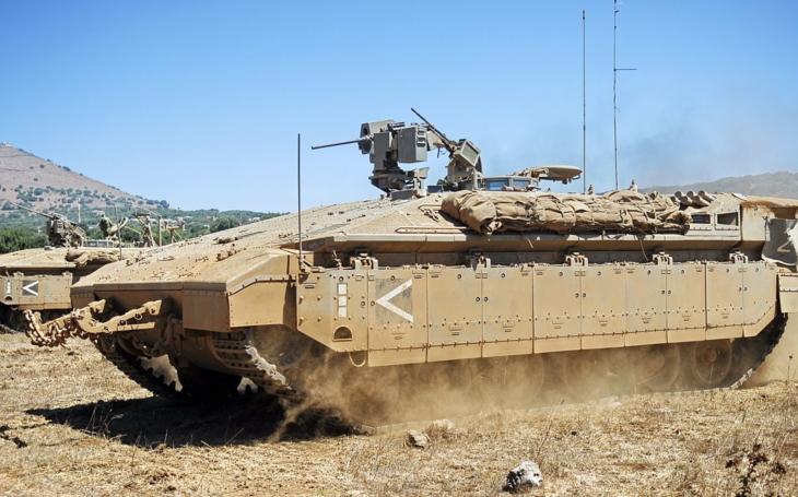 Izrael modernizuje svoj obrnený transportér Namer, pribudne aj diaľkovo ovládaná veža