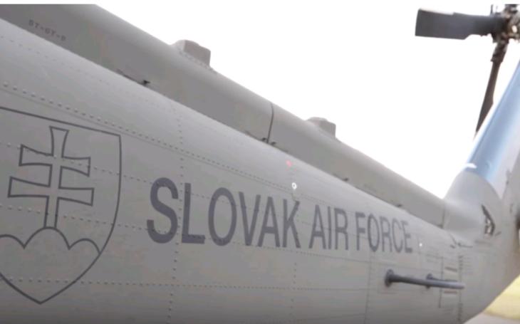 Prvé vrtuľníky Black Hawk vstúpili na Slovensku do služby