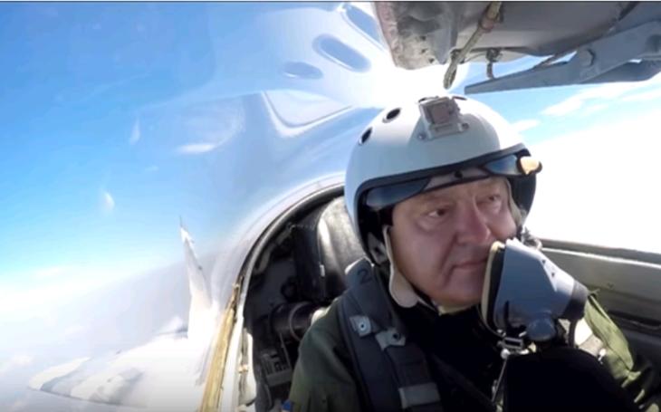(VIDEO) Porošenko si zalietal na stíhačke Mig-29