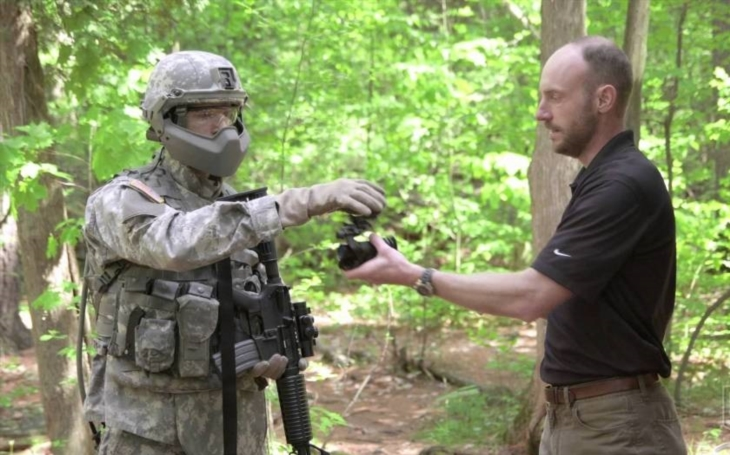 US Army testuje novou helmu poskytující kompletní balistickou ochranu