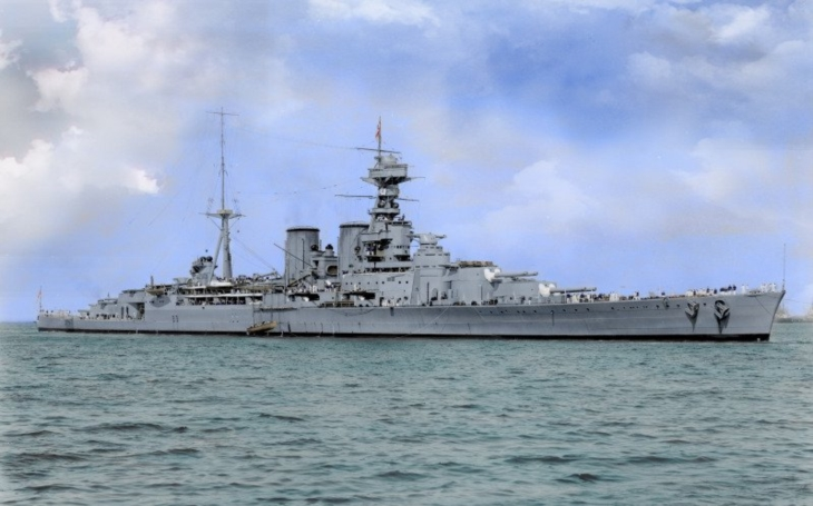 Jedinečné barevné záběry legendárního HMS Hood z roku 1939