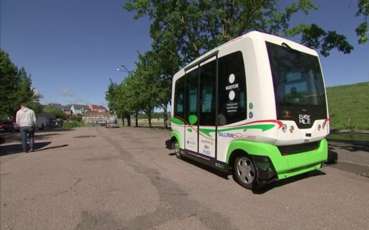VIDEO: V Estonsku testují samořiditelné autobusy. K dokonalosti jim stále něco chybí