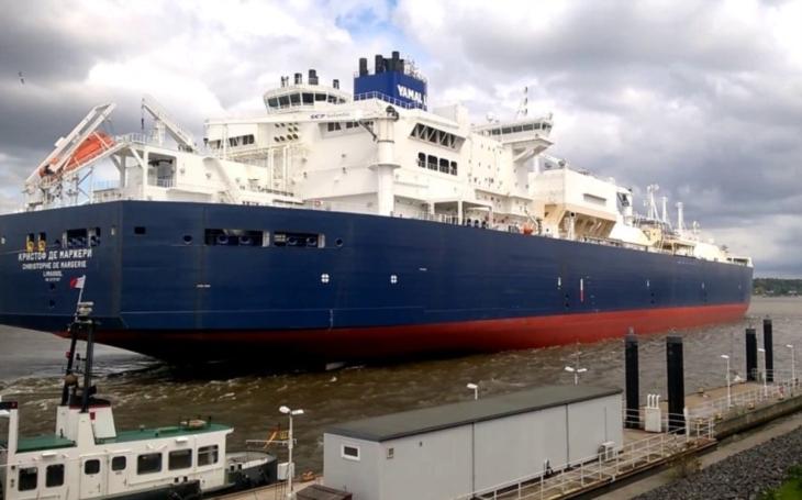 Ruský tanker poprvé bezpečně projel arktickými vodami bez pomoci ledoborce