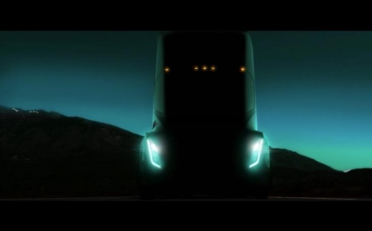 Elon Musk chystá další novinku: elektřinou poháněný kamion na delší trasy
