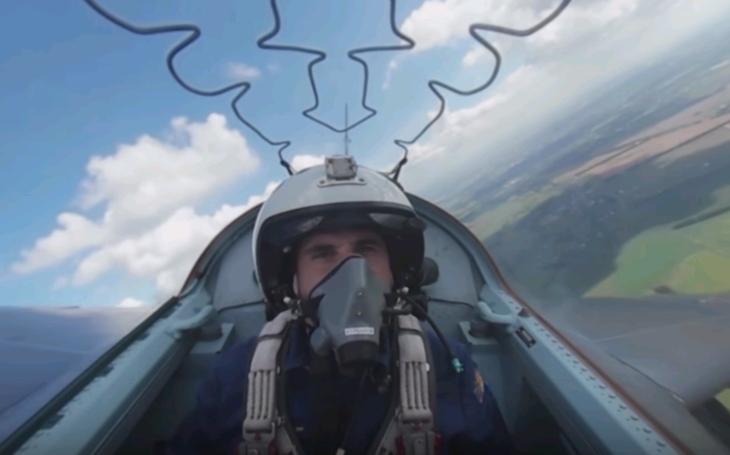 VIDEO 360°: Nasadnite si do kabíny Jak-130