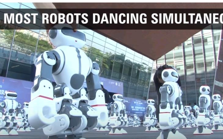 1069 tanečných robotov stanovilo v Číne nový svetový rekord
