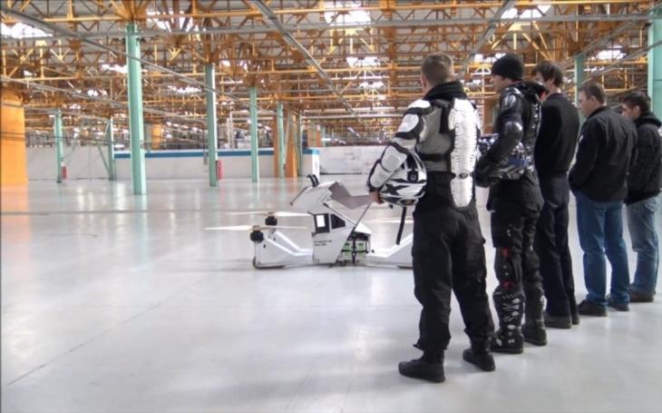 Nová budoucnost dopravy? Ruský hoverbike byl představen veřejnosti. Může dosáhnout rychlosti 70 kilometrů za hodinu
