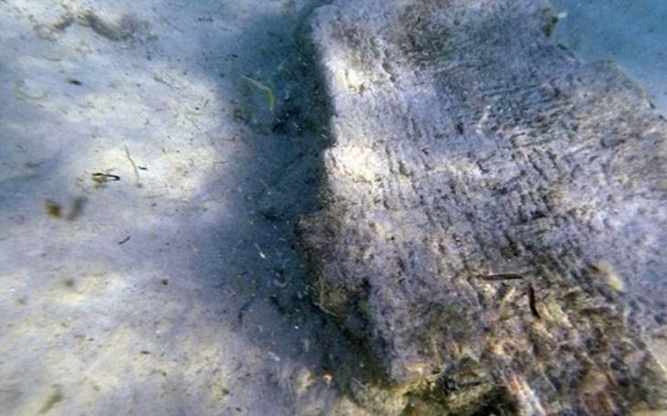 VIDEO: Ruiny bájného římského města Neapolis objevili potápěči. Před 1600 ho spláchla obří tsunami