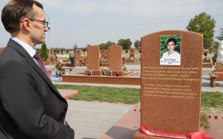 Beslan 2004 - smrt přišla z lesa, krvavý masakr ve škole v Beslanu nepřežilo 186 dětí