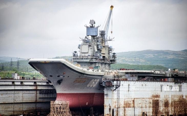 Škody na jediném ruském letadlovém křižníku Admiral Kuzněcov odhadnuty na 70 milionů rublů