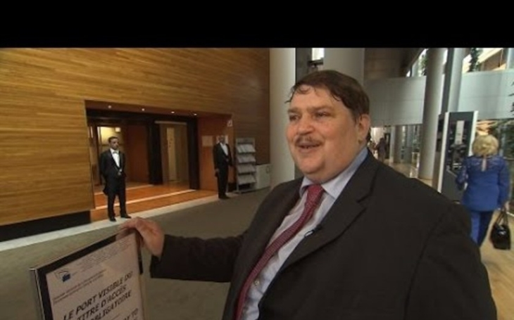 Šéf sudetských Němců Posselt kritizuje Klause za podporu AfD