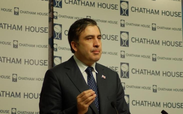 Vlak se Saakašvilim uvízl v Przemyślu, Kyjev ho odmítá pustit