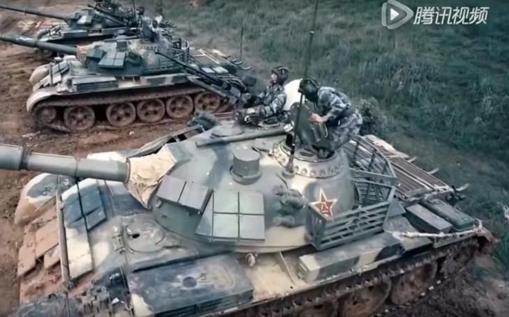 (VIDEO) Takto láka Čína  mladých ľudí do armády!  Úchvatné  zábery