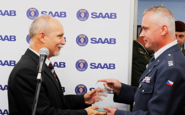 Saab bude spolupracovat s firmou Meopta, na Dnech NATO podepsali memorandum