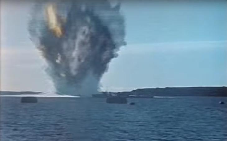 30 lodí proti výbuchu sovětského jaderného torpéda