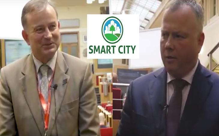 VIDEO: Místostarosta Litoměřic Krejza a pražský radní Králíček. Kdo ujíždí víc na smart cities  ?