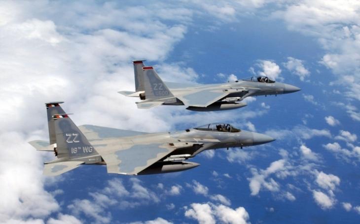 Americké bombardéry a stíhačky proletěly u KLDR v ukázce síly