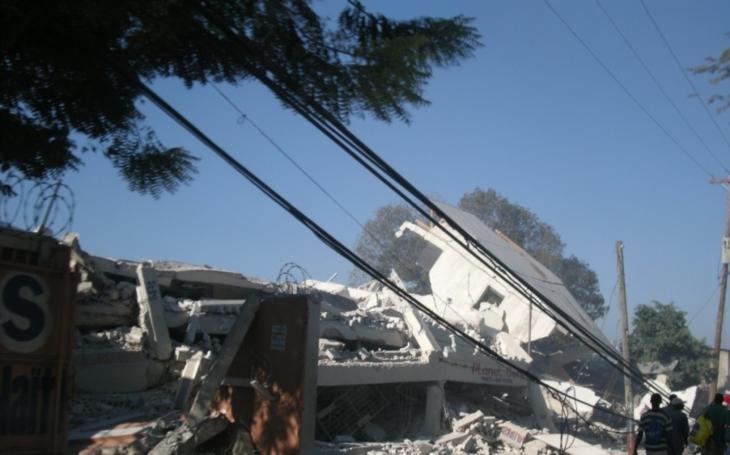 Mexiko zasáhly další otřesy, počet obětí stoupl na 315